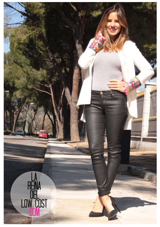 la reina del low cost blazer blanca primavera 2016 look outfit oficina reunion boho etnico chollomoda tienda de ropa online barata pilar pascual del riquelme blogger madrid españa