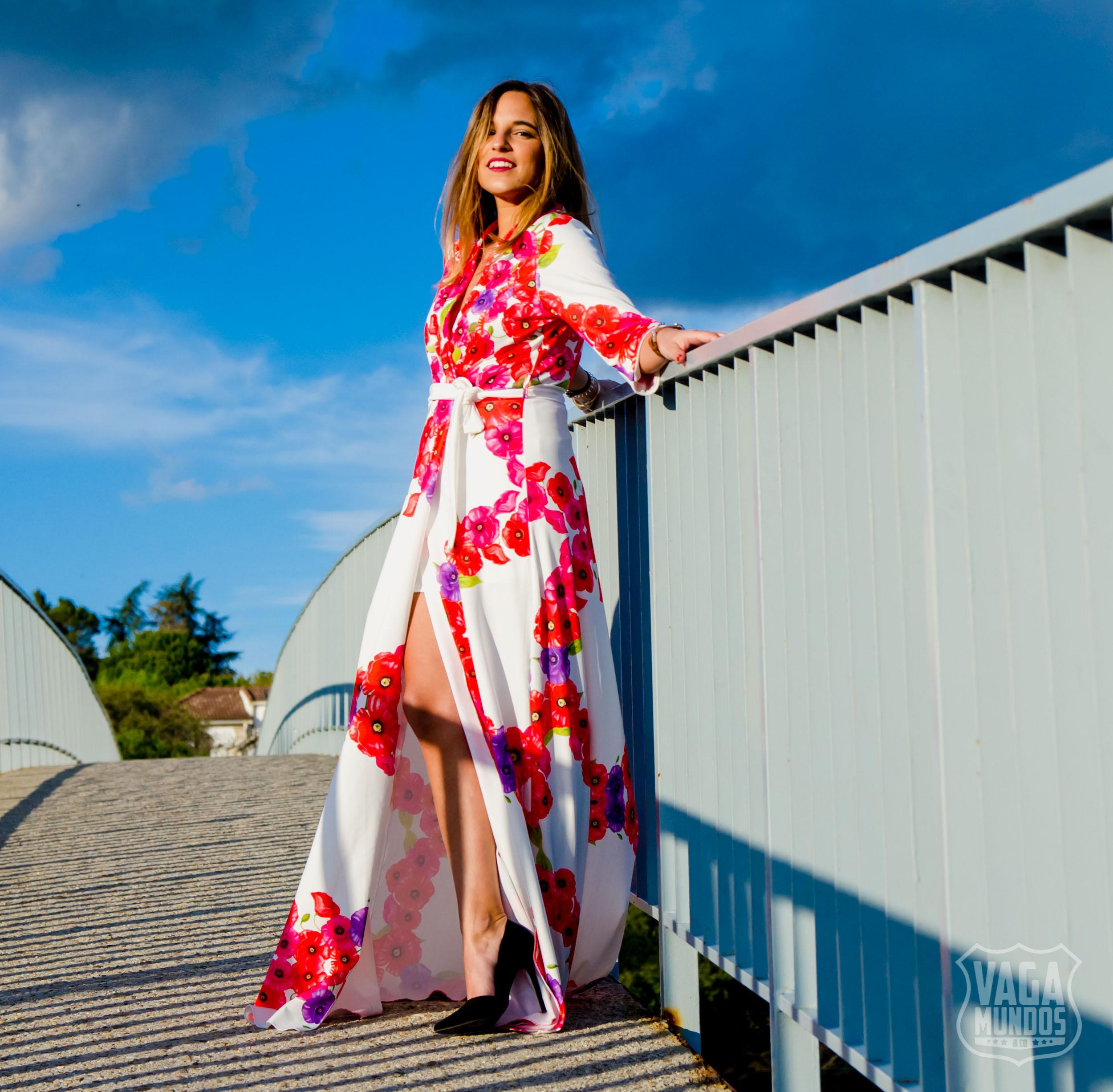 ba15ef141692 Temporada de bodas: vestido largo de flores inspiración Paula ...