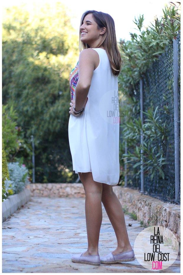 la reina del low cost blog de moda españa mexico vestido etnico estampado blanco gasa verano 2016 primavera efecto collar m&l moda y complementos miryam alicante madrid pilar pascual del riquelme (11)
