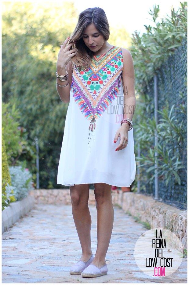la reina del low cost blog de moda españa mexico vestido etnico estampado blanco gasa verano 2016 primavera efecto collar m&l moda y complementos miryam alicante madrid pilar pascual del riquelme (7)