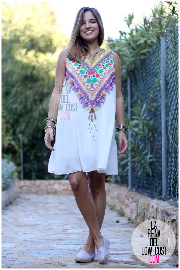 la reina del low cost blog de moda españa mexico vestido etnico estampado blanco gasa verano 2016 primavera efecto collar m&l moda y complementos miryam alicante madrid pilar pascual del riquelme (9)