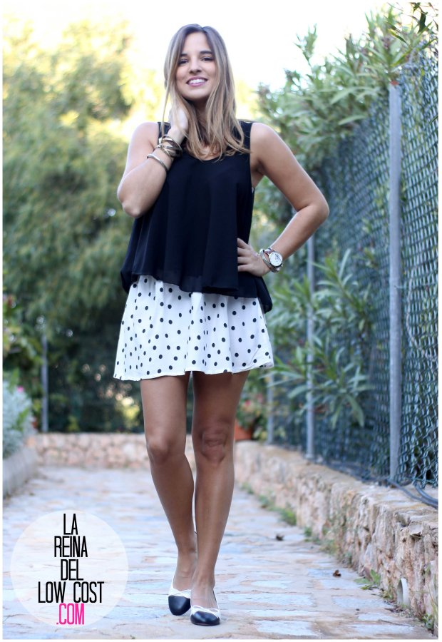 la reina del low cost by peppas zapatos elda baratos bailarinas con tacón blanco y negro falda de lunares H&M mulaya blusas camisetas fábrica Alicante. primavera verano 2016 (3)