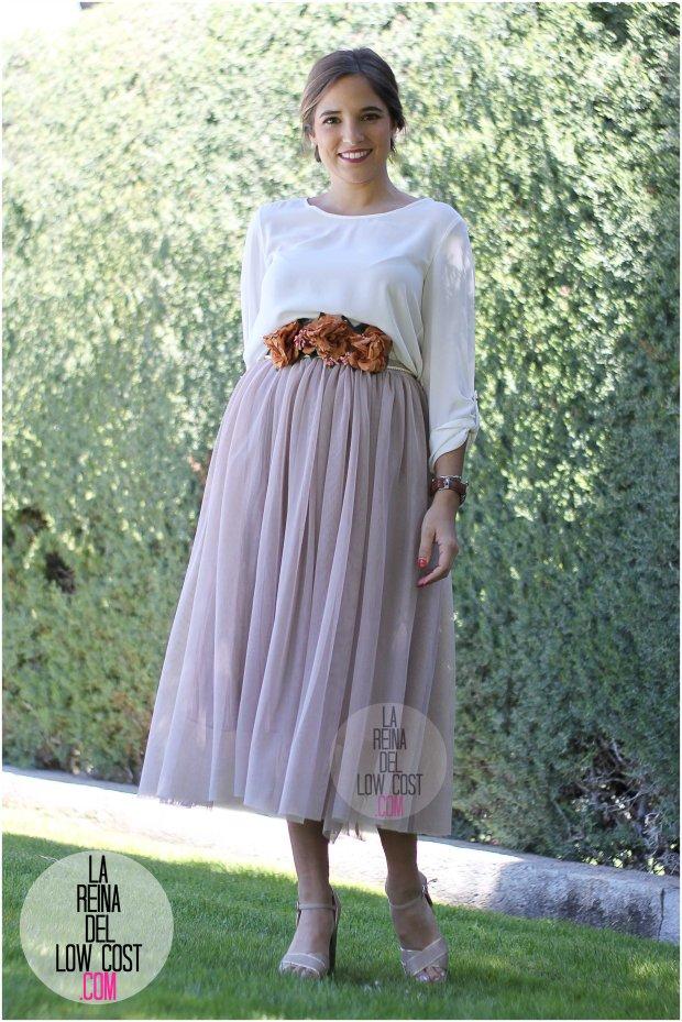la reina del low cost falda de tul barata lourdes moreno pagina facebook tienda look boda bautizo comunion primavera verano 2016 cinturon flores blusa blanca recogido  (2)