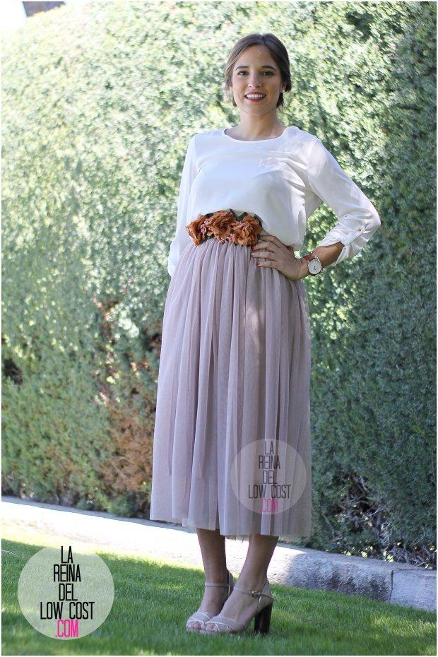 la reina del low cost falda de tul barata lourdes moreno pagina facebook tienda look boda bautizo comunion primavera verano 2016 cinturon flores blusa blanca recogido  (3)
