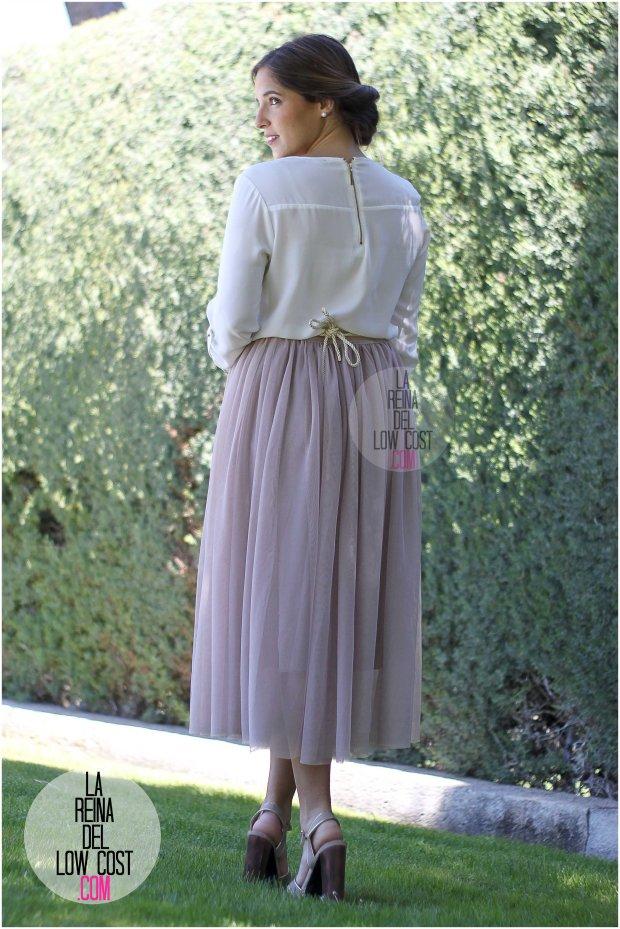 la reina del low cost falda de tul barata lourdes moreno pagina facebook tienda look boda bautizo comunion primavera verano 2016 cinturon flores blusa blanca recogido  (4)