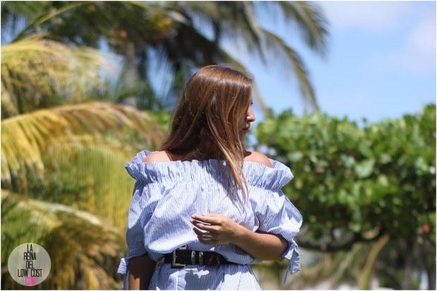 la reina del low cost lareinadellowcost blog de moda bloggera de moda blogger mexico style outfit look oficina verano 2016 vestido rayas blancas azul hombros al aire barato lourdes moreno tienda facebook comprar ropa online cinturon vintage sandalias planas primark caribe cancun